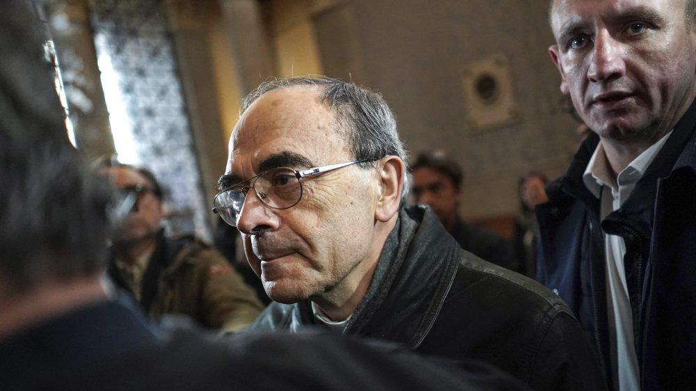 Le cardinal Philippe Barbarin «n'arrive pas bien à voir quelssont les faits qu'on me reproche»,a-t-il exprimé hier.