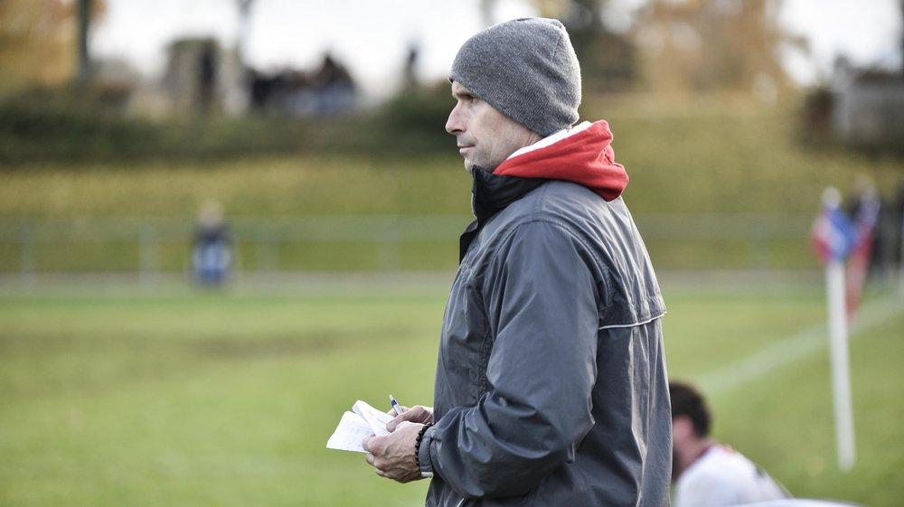 Un déplacement chez Stade Lausanne qui a failli tourner à la débandade pour les protégés de Marc Benallaoua, entraîneur des arrières nyonnais.