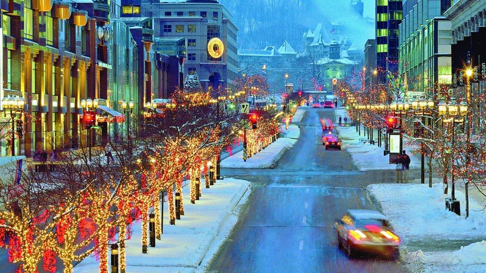 Québec. L'hiver canadien ajoute une touche de féerie aux illuminations.