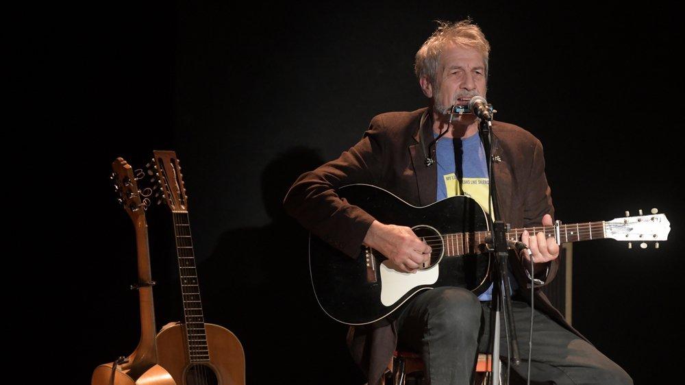 Avec sa liberté de ton et d'attitude, Sarclo fait rayonner les chansons de Bob Dylan en français.