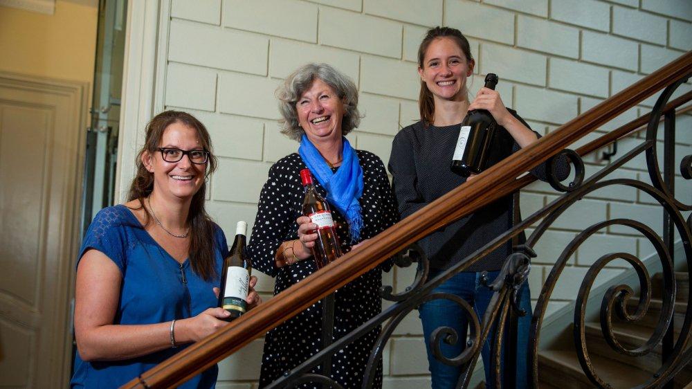 Solange Perey, Coraline de Wurstemberger et Laura Paccot représentaient La Côte lors de cette première édition de Vigneronnes en scène, samedi à Morges.