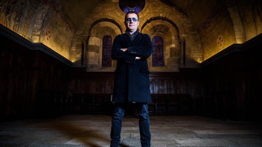 """Eric Lévi prend la pose dans la nef du temple de Nyon: """"Il y a quelque chose d'un peu spirituel dans la musique d'Era mais rien de religieux."""""""