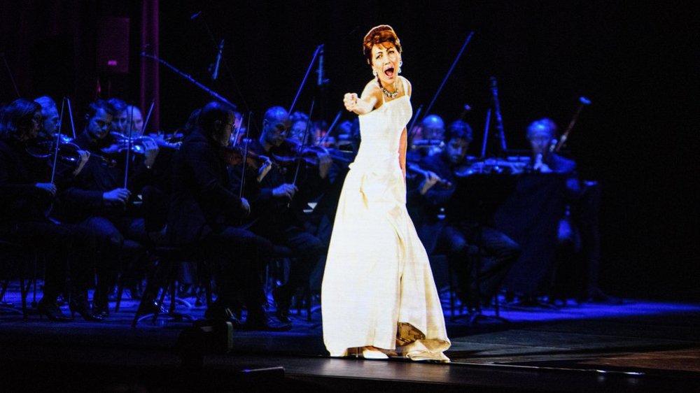 """Le """"fantôme"""" de Maria Callas, mercredi soir, sur la scène du Rosey Concert Hall."""