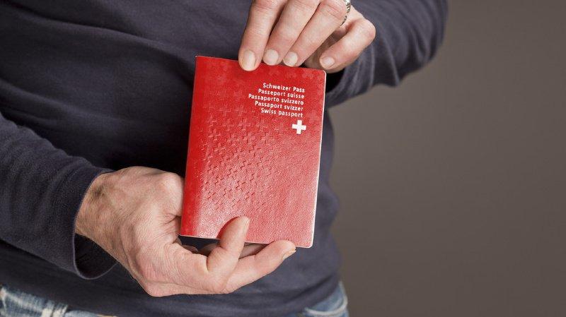Migration: le passeport suisse ne protège pas de la discrimination