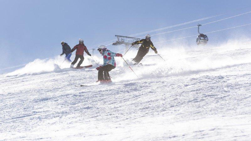 On skie déjà dans quelques stations alpines, dix autres domaines vont s'ouvrir le week-end prochain.