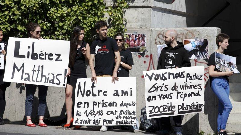 Genève: un militant antispéciste condamné à douze mois de prison ferme