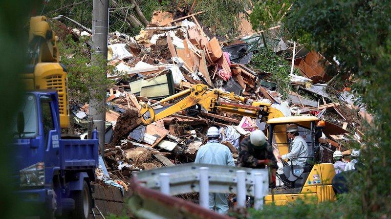 Pluies diluviennes au Japon: le bilan s'alourdit à dix morts et trois disparus