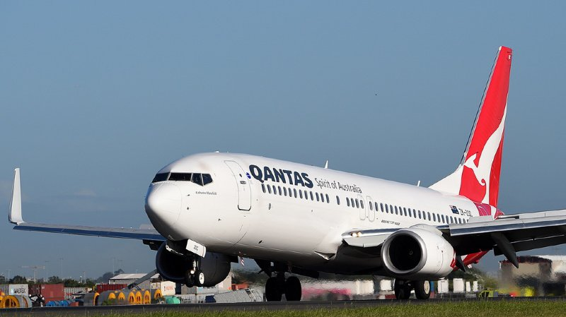 Trafic aérien: des dizaines de Boeing cloués au sol après la découverte de fissures