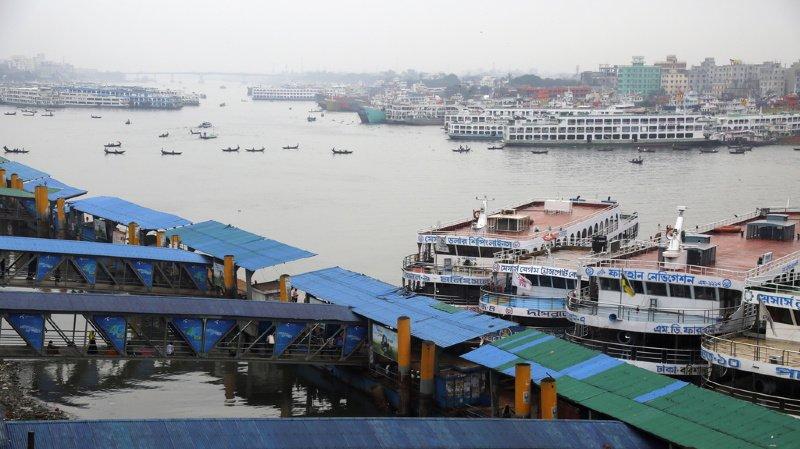 Inde: Le cyclone Bulbul atteint les côtes indiennes, deux victimes