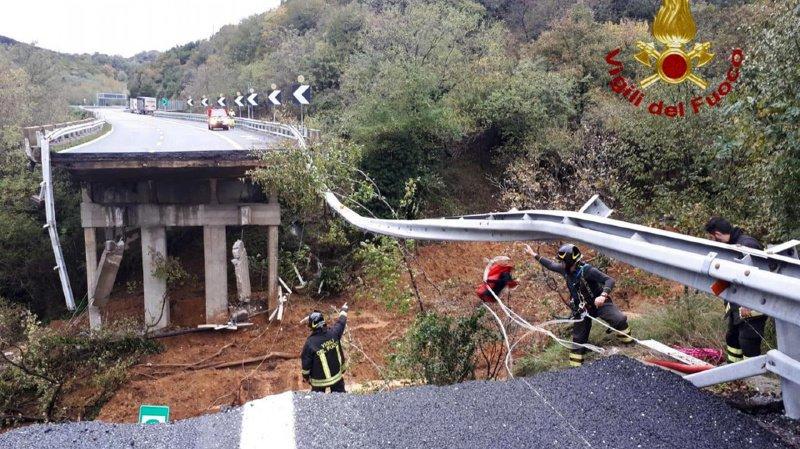 Italie: un pont autoroutier entre Savone et Turin s'effondre