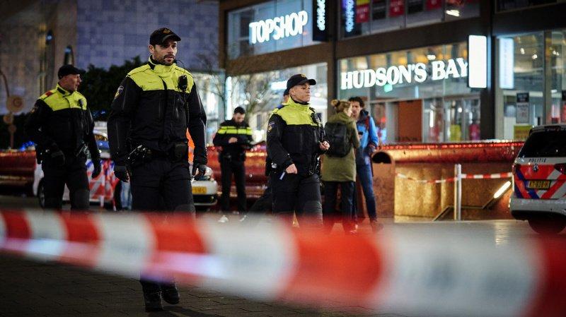 Pays-Bas: trois blessés dans une attaque au couteau à La Haye