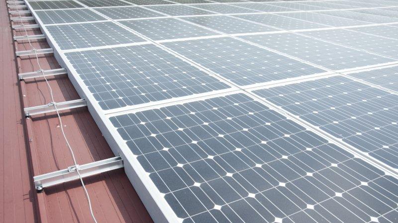 Le préavis fait suite à une interpellation au sujet des panneaux solaires (image d'illustration).