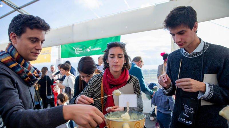 Tartegnin: le Mondial de fondue, «concours préféré de Yann Barthès»