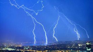 Un système de l'EPFL prédit quand et où tombera la foudre