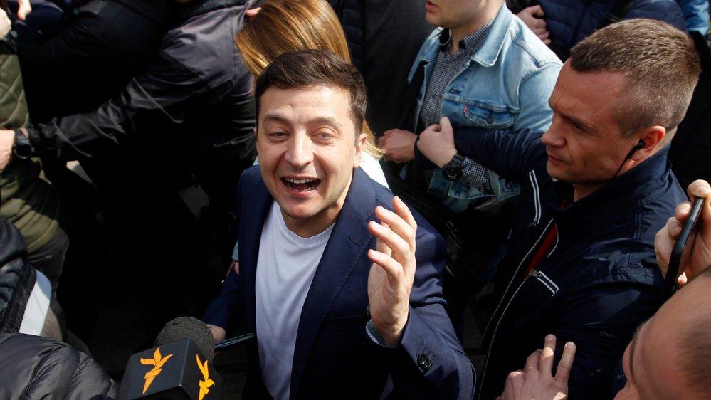 Volodymyr Zelensky dit «ne pas du tout comprendre» les accusations de chantage dans le cadre de la procédure de destitution  aux Etats-Unis.