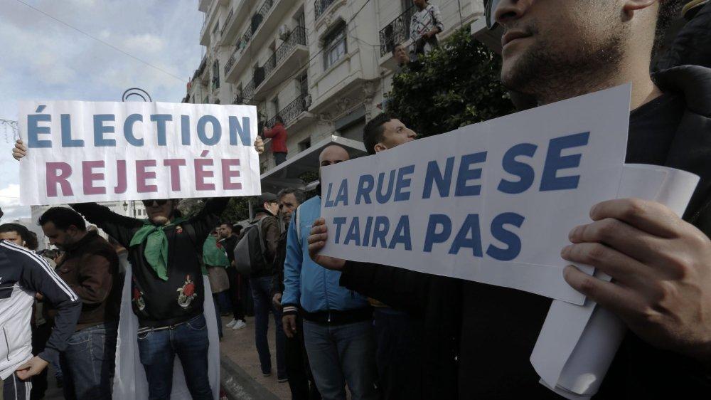 Les manifestants étaient toujours dans la rue, hier, à Alger, pour protester contre l'élection.