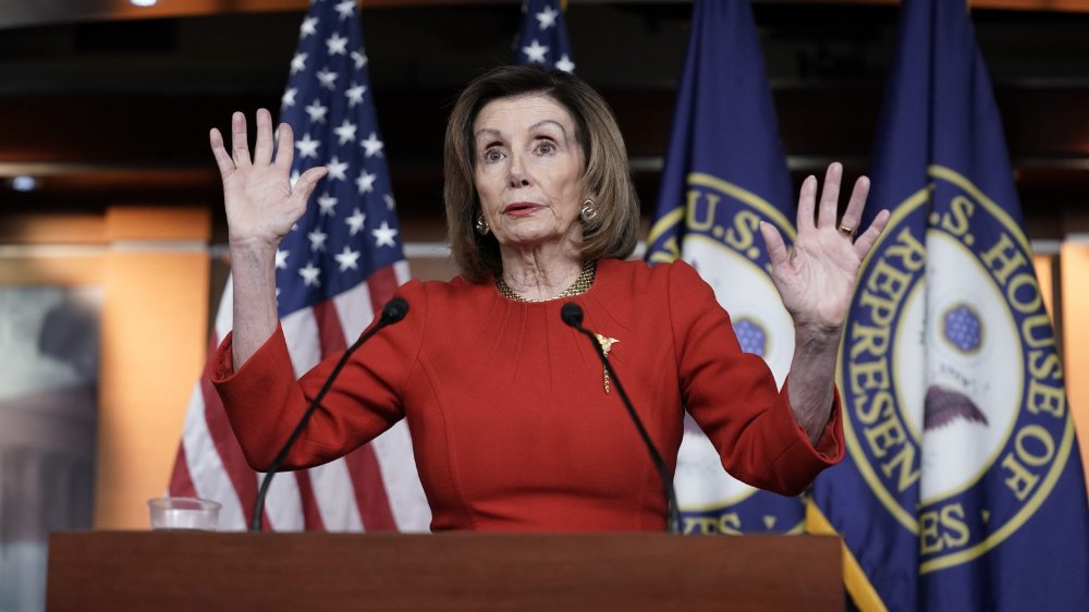 Nancy Pelosi joue la carte de la prudence et attend des garanties sur le déroulement du procès de Donald Trump.