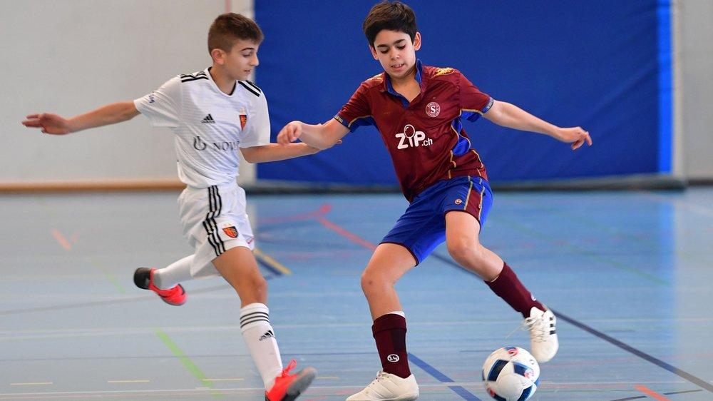 Victorieux l'an dernier, Bâle (en blanc) parviendra-t-il à conserver la couronne de la Futsal Cup Gland?