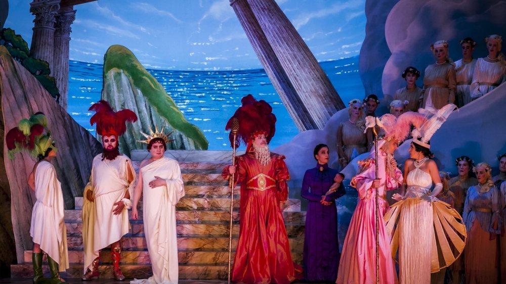 """Opéra-bouffe en trois actes, """"La belle Hélène"""" d'Offenbach sera joué vendredi et dimanche à l'Opéra de Lausanne. A ne pas manquer."""