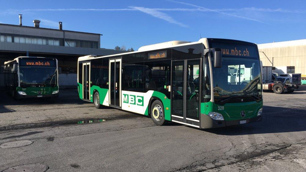 Les autobus hybrides des MBC ont été mis en service la semaine dernière. L'entreprise, qui renouvelle entre trois et cinq véhicules par année, entend acquérir des engins plus respectueux de l'environnement à l'avenir.