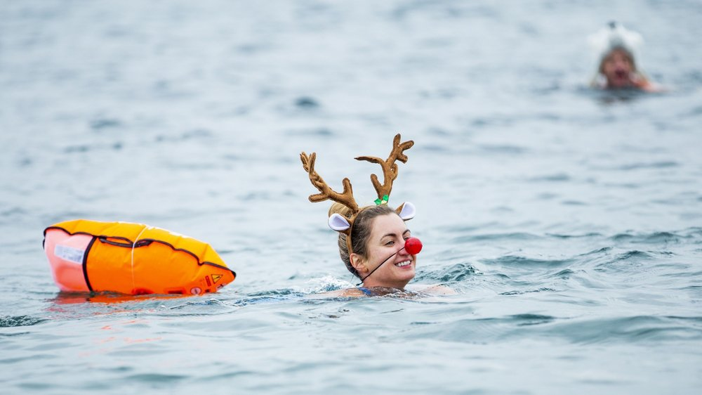 Nager avec une bouée est recommandé, mais pas obligatoire.
