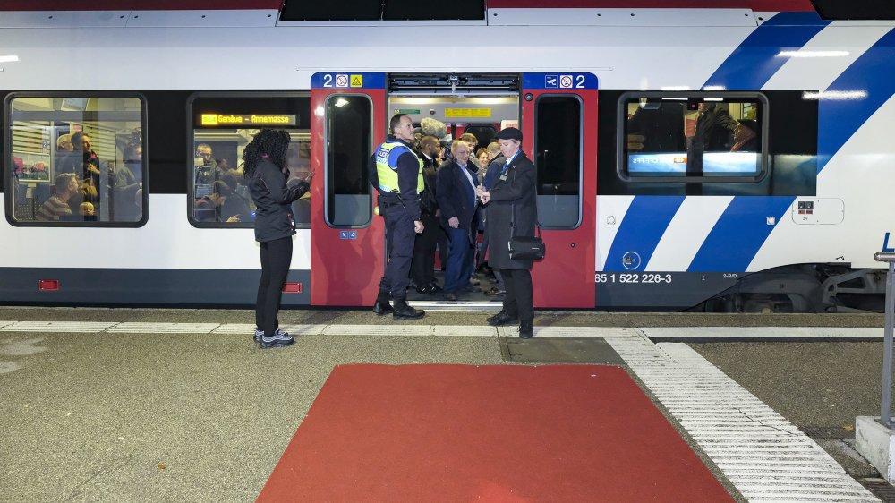 Le premier train du Léman Express est parti selon l'horaire.