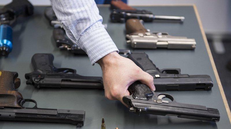 En 2016, le volume du commerce mondial d'armes légères s'établissait à 6,5 milliards de dollars, en augmentation de 13%. (illustration)