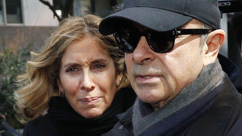 Carole Ghosn (ici avec son époux) était en première ligne pour défendre son mari, été arrêté en novembre 2018 au Japon puis inculpé.