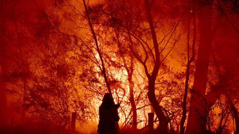 La bévue du pasteur a provoqué un incendie. (illustration)