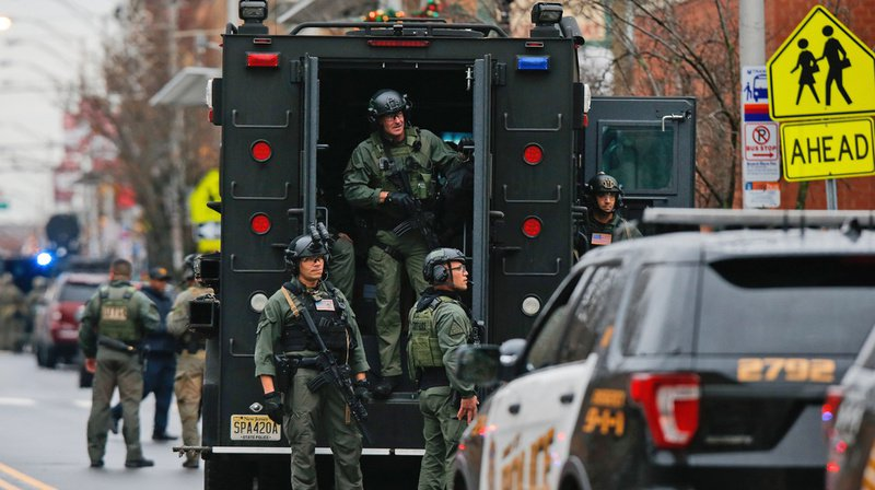 Fusillade dans la banlieue new-yorkaise: six morts et deux blessés