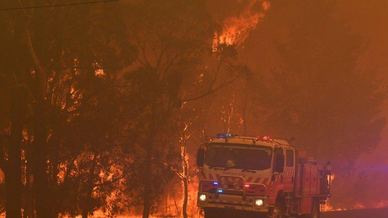 Incendies en Australie: deux pompiers volontaires perdent la vie