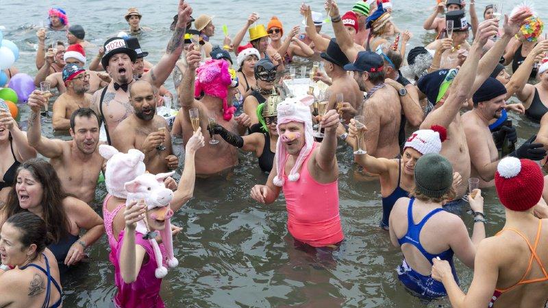 Certains baigneurs étaient déguisés pour l'occasion.