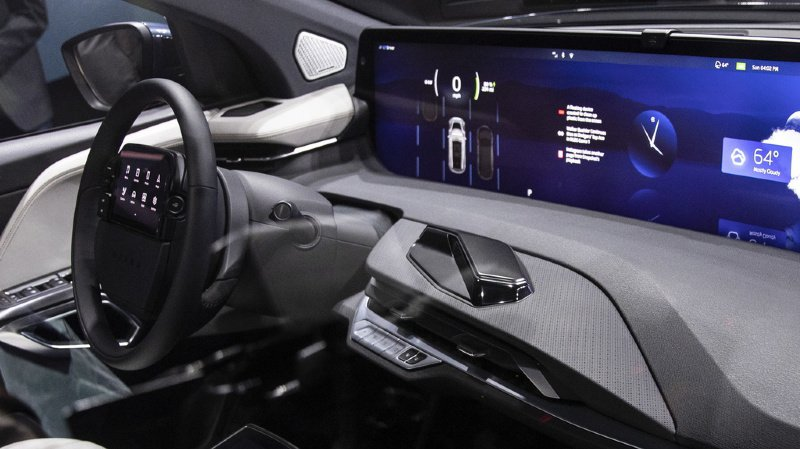 """La cybersécurité concernera toujours plus la circulation routière aussi, car le nombre de voitures connectées, """"intelligentes"""", et bourrées d'électronique proposées par les constructeurs ne cesse d'augmenter."""