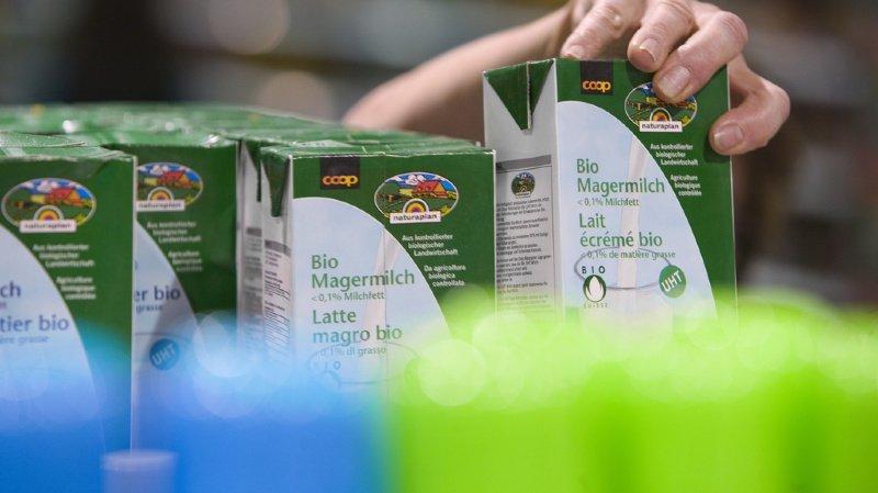 Agriculture: les Suisses boivent trop peu de lait biologique