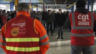 Grève en France: le pays bloqué, l'épreuve du feu pour le gouvernement