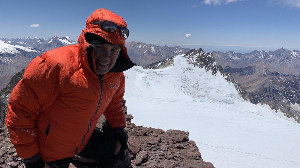 Daniel Perler au sommet du Marmolejo, qui culmine à 6108 m.