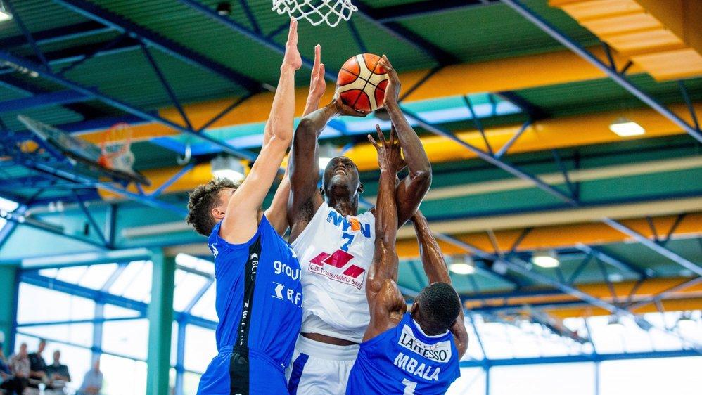 Battus de 36 points au Rocher le 20 octobre dernier (photo), Cheikh Sane et les Nyonnais ont reçu une addition encore plus salée dimanche à Saint-Léonard.