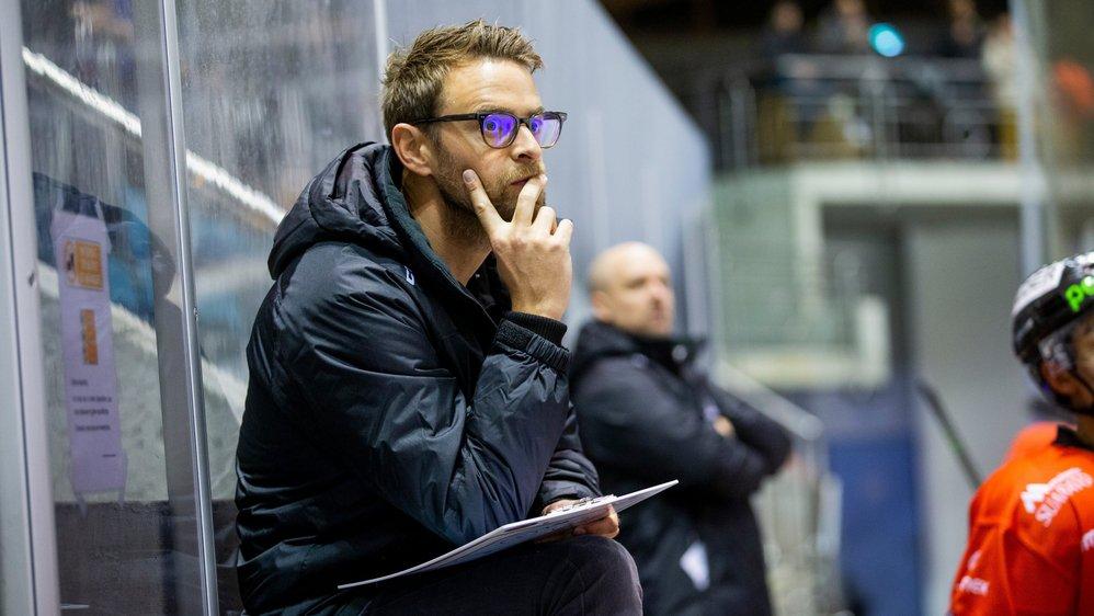 Le coach morgien Jonathan Lussier attend une autre attitude de ses joueurs, mardi, à Yverdon.