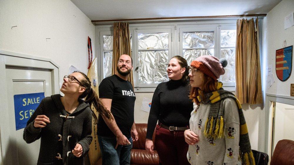 De gauche à droite, Katharina, Maxime, Andréa et Chloé ont mobilisé toute leur matière grise pour résoudre les nombreuses énigmes de l'escape game.