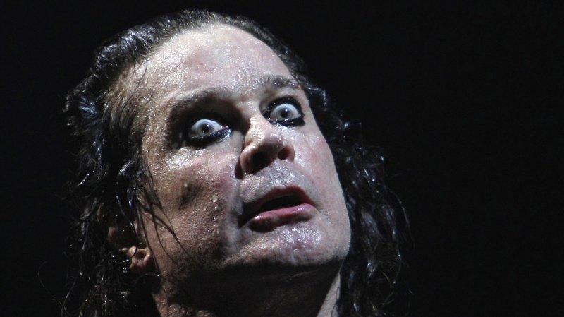 Ozzy Osbourne file du mauvais coton.