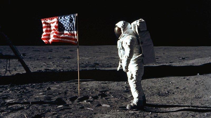 Nyon: un lundi soir sur la Lune