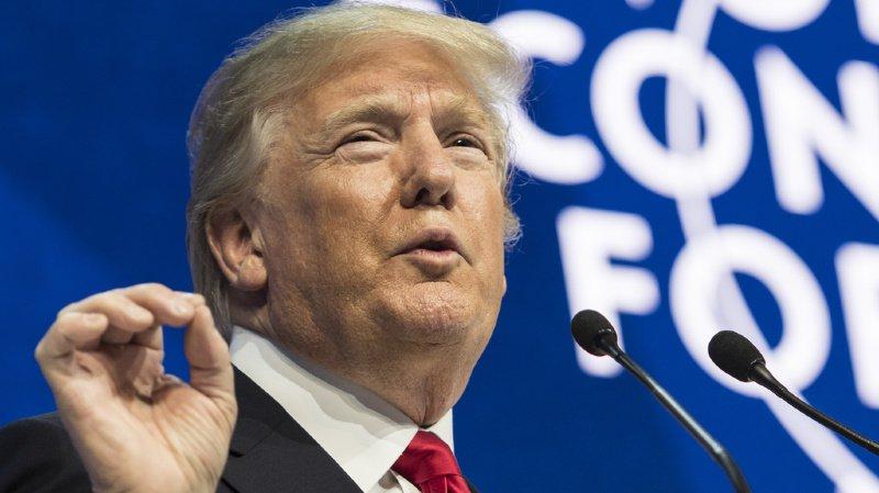 Trump s'était largement félicité mardi de sa politique économique, au premier jour des débats de son procès en destitution aux Etats-Unis.