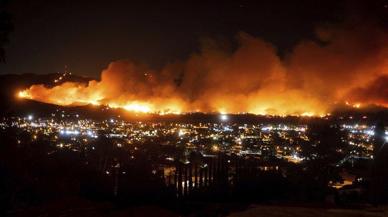 La mythique Californie ravagée par des feux de forêts, ce n'est pas de la fiction.