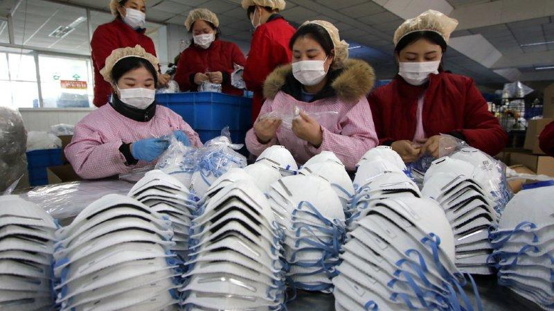 Le coronavirus poursuit sa propagation à travers la Chine. Environ 830 personnes seraient contaminées.