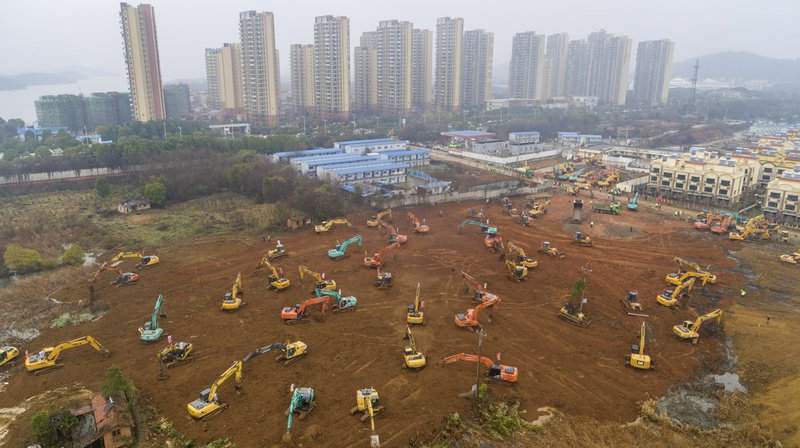 Coronavirus en Chine: la ville de Wuhan se construit un hôpital en dix jours