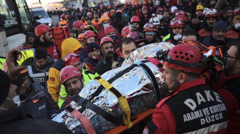 Turquie: le bilan du puissant séisme grimpe à 31 morts