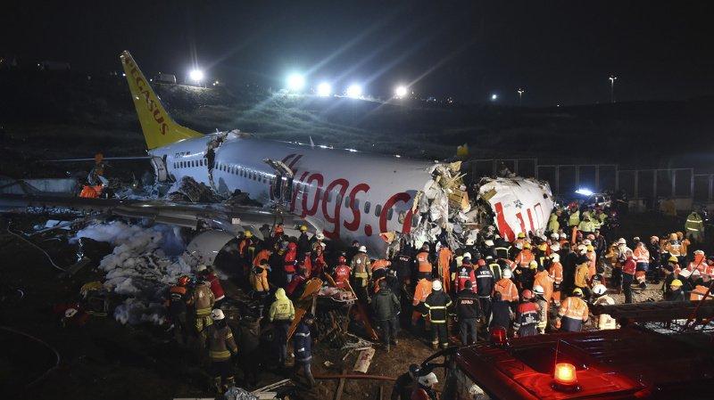 Un avion sort de la piste à Istanbul, en Turquie: le bilan grimpe à 3 morts et 179 blessés