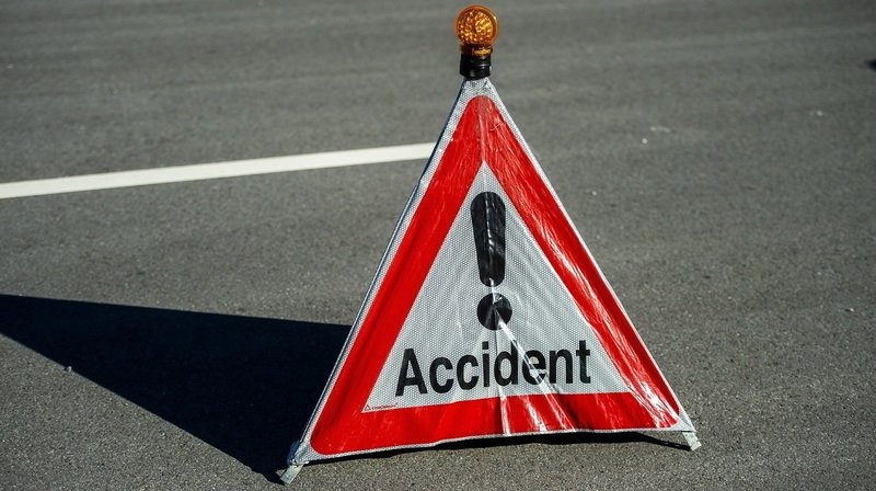 Gland: un camion se renverse sur l'autoroute