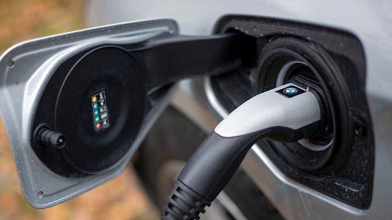 Climat: les voitures électriques polluent moins que les véhicules à hydrogène ou au gaz naturel