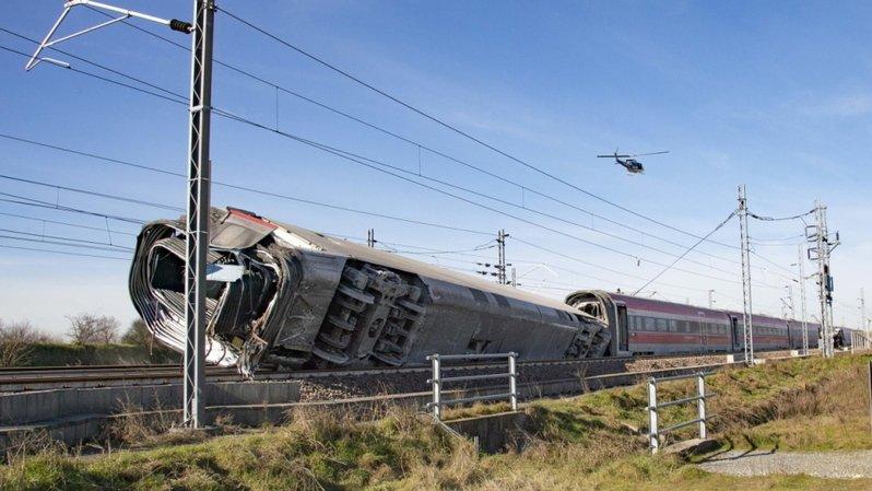 Italie: un train déraille près de Milan, 2 morts et une trentaine de blessés